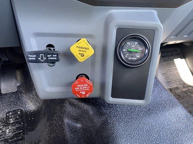 2022 Ford F-750 Regular Cab DRW 4x2, Cab Chassis #NDF00084 - photo 15