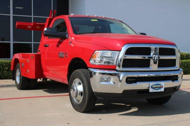 2017 Ram 3500 Regular Cab DRW, Wrecker Body #17R3C5758 - photo 3