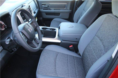 2018 Ram 1500 Crew Cab 4x4, Pickup #18DC0434 - photo 10