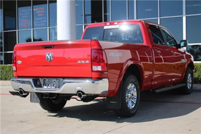 2018 Ram 1500 Crew Cab 4x4, Pickup #18DC0434 - photo 4