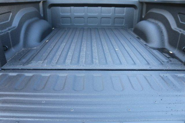 2018 Ram 1500 Crew Cab 4x4, Pickup #18DC0680 - photo 22