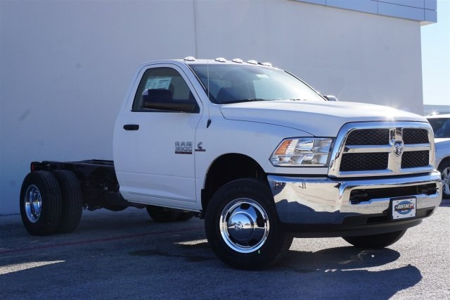 2018 Ram 3500 Regular Cab DRW 4x2,  Cab Chassis #18R3C1557 - photo 3