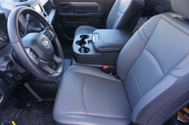 2020 Ram 5500 Regular Cab DRW 4x2, Mechanics Body #C0R5C1833 - photo 9