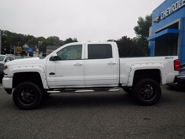 2017 Silverado 1500 Crew Cab 4x4 Pickup #26633 - photo 5