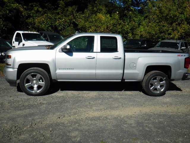 2017 Silverado 1500 Double Cab 4x4, Pickup #26716 - photo 5