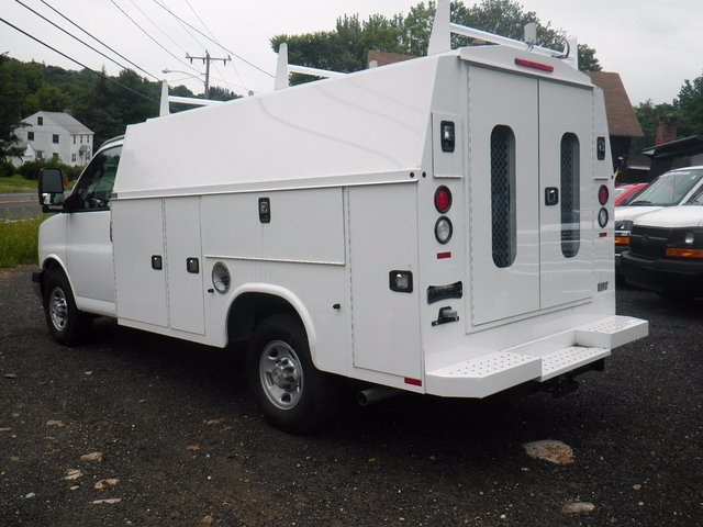 2017 Express 3500, Knapheide Service Utility Van #26876 - photo 2