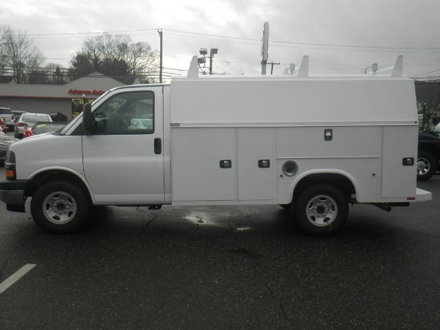 2017 Express 3500, Knapheide Service Utility Van #26909 - photo 5