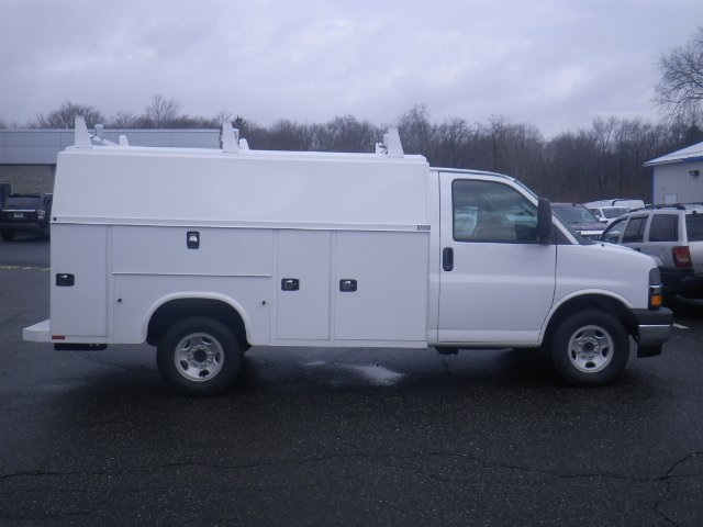 2017 Express 3500, Knapheide Service Utility Van #26909 - photo 8