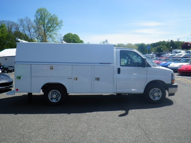 2017 Express 3500, Reading Service Utility Van #26934 - photo 8