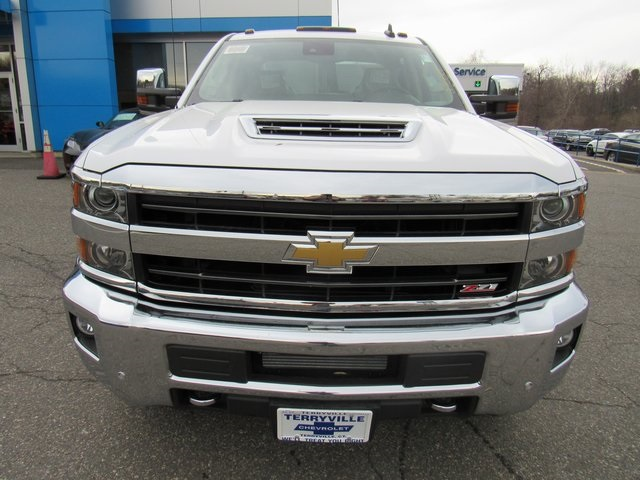 2018 Silverado 3500 Crew Cab 4x4, Pickup #27650 - photo 4