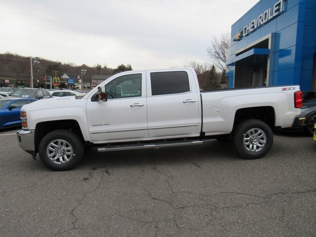 2018 Silverado 3500 Crew Cab 4x4, Pickup #27650 - photo 5