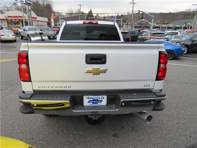 2018 Silverado 3500 Crew Cab 4x4, Pickup #27650 - photo 6