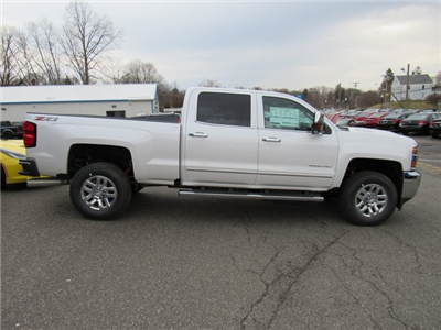 2018 Silverado 3500 Crew Cab 4x4, Pickup #27650 - photo 8