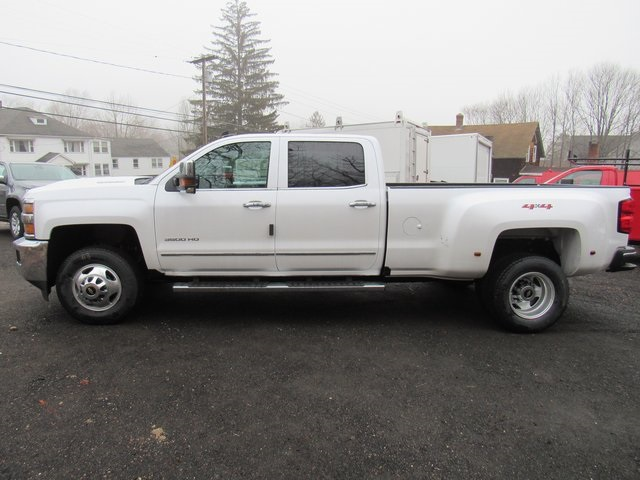 2018 Silverado 3500 Crew Cab 4x4, Pickup #27651 - photo 5