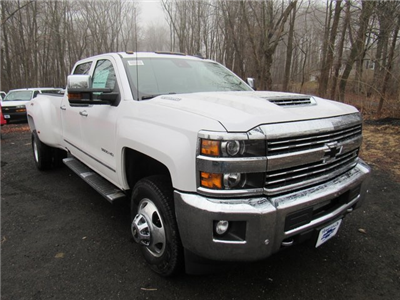 2018 Silverado 3500 Crew Cab 4x4, Pickup #27651 - photo 3