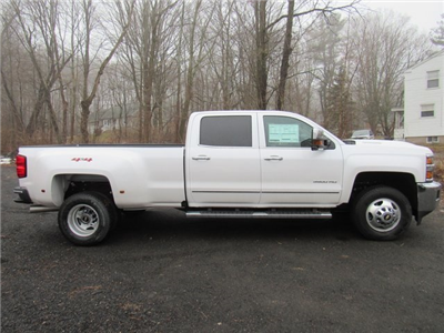 2018 Silverado 3500 Crew Cab 4x4, Pickup #27651 - photo 8