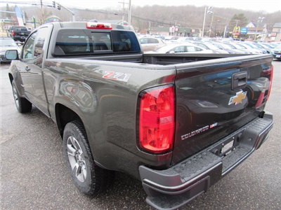 2018 Colorado Extended Cab 4x4, Pickup #27704 - photo 2