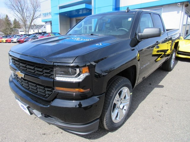 2018 Silverado 1500 Double Cab 4x4,  Pickup #27799 - photo 1