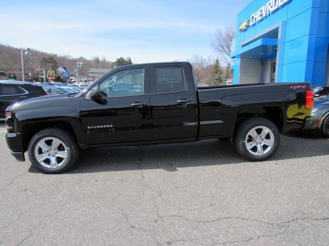 2018 Silverado 1500 Double Cab 4x4,  Pickup #27799 - photo 5