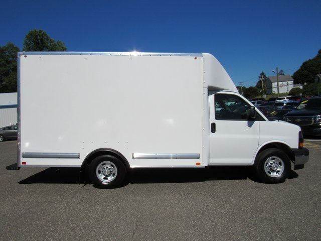 2018 Express 3500 4x2,  Bay Bridge Cutaway Van #27980 - photo 8