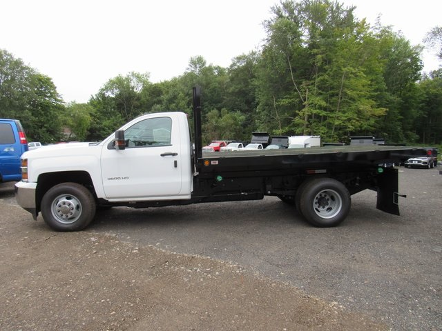 2018 Silverado 3500 Regular Cab DRW 4x4,  Reading Platform Body #28213 - photo 5