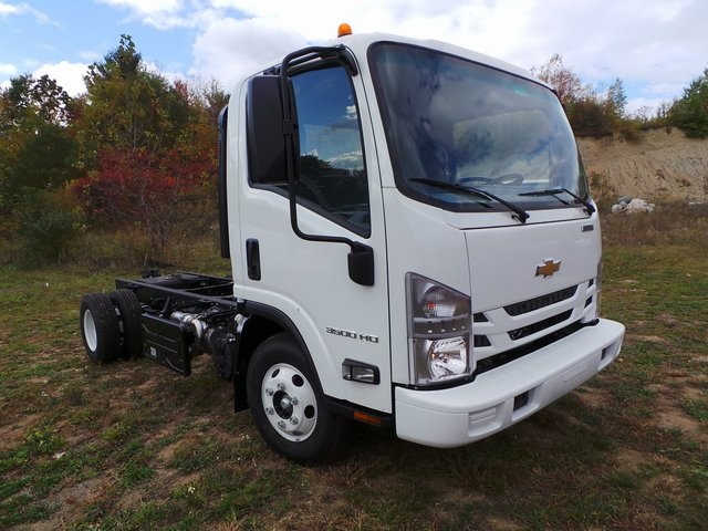 2016 Low Cab Forward Regular Cab, Cab Chassis #C160210 - photo 3