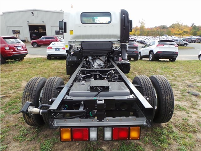 2016 Low Cab Forward Regular Cab, Cab Chassis #C160212 - photo 6