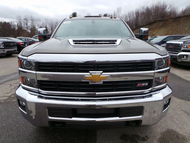2017 Silverado 2500 Crew Cab 4x4, Pickup #C17723 - photo 3