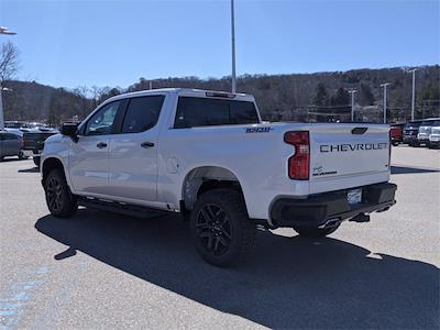 2021 Chevrolet Silverado 1500 Crew Cab 4x4, Pickup #SG7656 - photo 4