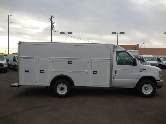 2017 E-350, Supreme Service Utility Van #176301 - photo 5