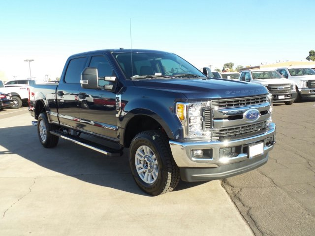 2017 F-250 Crew Cab 4x4, Pickup #176423 - photo 3
