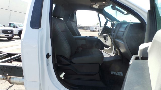 2017 F-450 Regular Cab DRW, Cab Chassis #177521 - photo 19