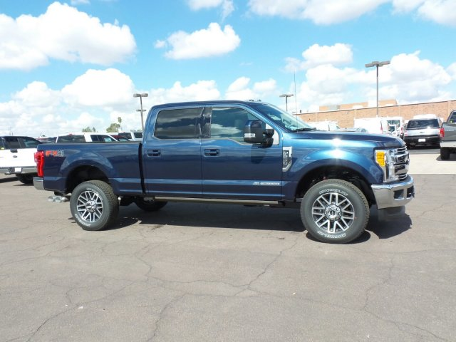 2017 F-250 Crew Cab 4x4, Pickup #178059 - photo 4