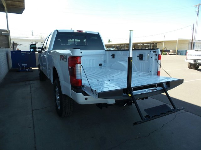 2017 F-250 Crew Cab 4x4, Pickup #178228 - photo 11