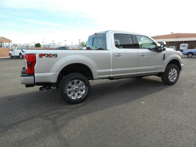 2017 F-250 Crew Cab 4x4, Pickup #178236 - photo 5