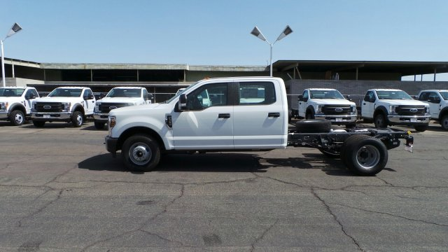 2018 F-350 Crew Cab DRW 4x2,  Cab Chassis #189456 - photo 3