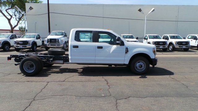 2018 F-350 Crew Cab DRW 4x2,  Cab Chassis #189456 - photo 6