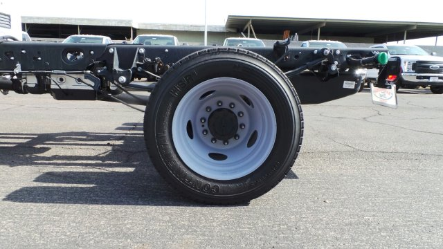 2018 F-450 Crew Cab DRW 4x2,  Cab Chassis #189632 - photo 29
