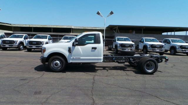 2018 F-350 Regular Cab DRW 4x2,  Cab Chassis #189764 - photo 3
