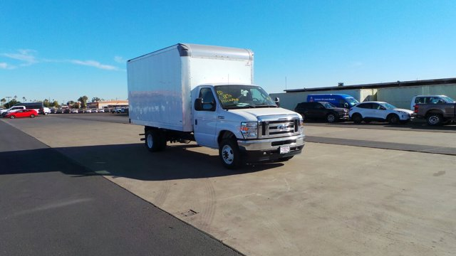 2021 Ford E-450 4x2, Supreme Dry Freight #213115 - photo 1