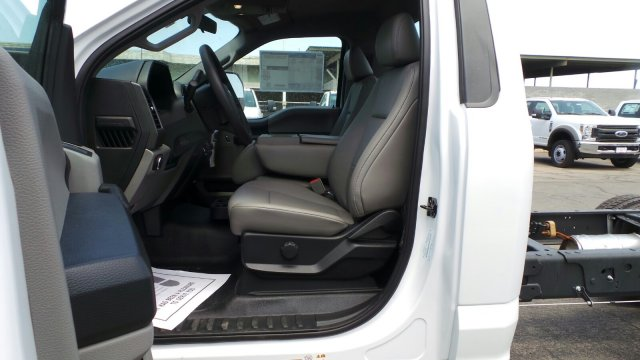 2018 F-550 Regular Cab DRW 4x2,  Cab Chassis #F80453 - photo 21