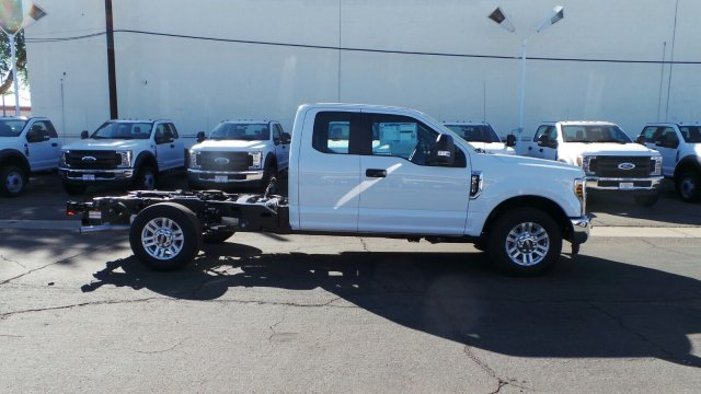 2019 F-250 Super Cab 4x2,  Cab Chassis #F90133 - photo 3