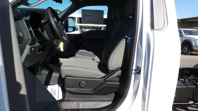 2019 F-550 Regular Cab DRW 4x2,  Cab Chassis #F90269 - photo 22