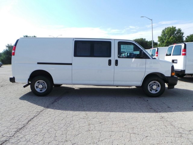 2017 Express 2500 Cargo Van #C14724 - photo 3
