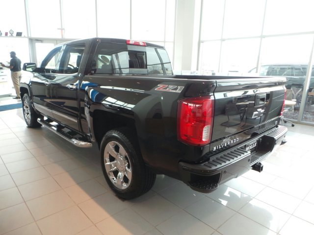 2017 Silverado 1500 Crew Cab 4x4 Pickup #C15469 - photo 4