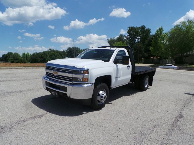 2017 Silverado 3500 Regular Cab 4x4 Platform Body #C15600 - photo 7