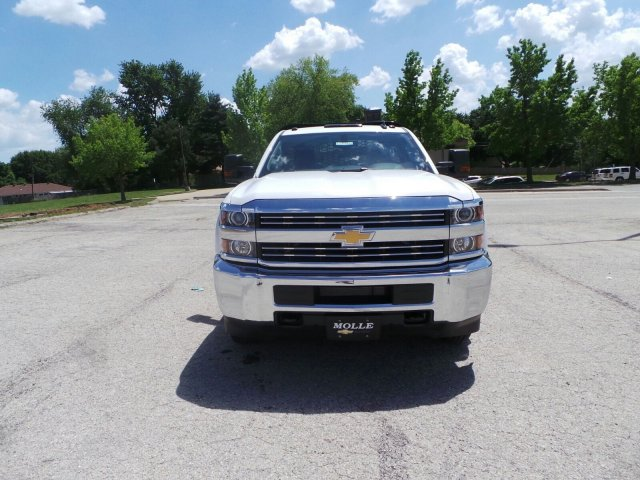 2017 Silverado 3500 Regular Cab DRW 4x4, Knapheide PGNB Gooseneck Platform Body #C15632 - photo 9