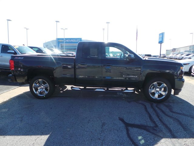 2017 Silverado 1500 Double Cab 4x4 Pickup #C15702 - photo 3