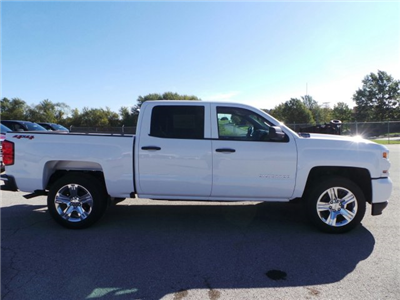 2018 Silverado 1500 Crew Cab 4x4, Pickup #C15993 - photo 3