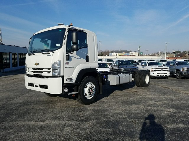 2018 LCF 6500XD Regular Cab, Cab Chassis #C16221 - photo 9